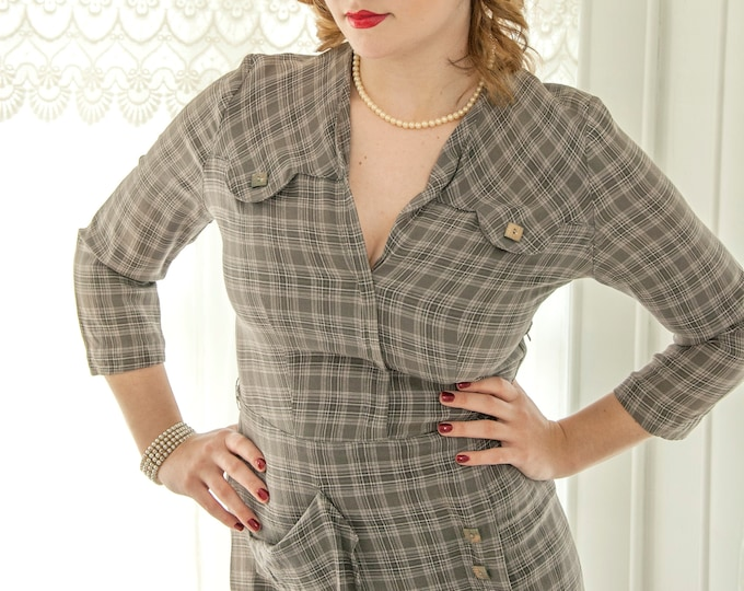 Vintage 1940s gray plaid dress, 3/4 sleeve midi, black white, V-neck wool pin-up, Queen Make, M L