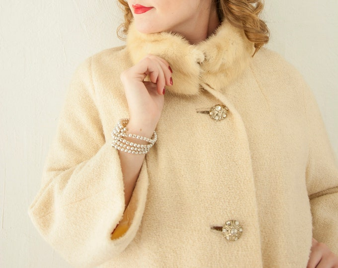 Vintage 1950s ivory coat, white boucle wool, mink collar fur ladies winter wedding pin-up jacket, rhinestones, holiday Christmas L XL