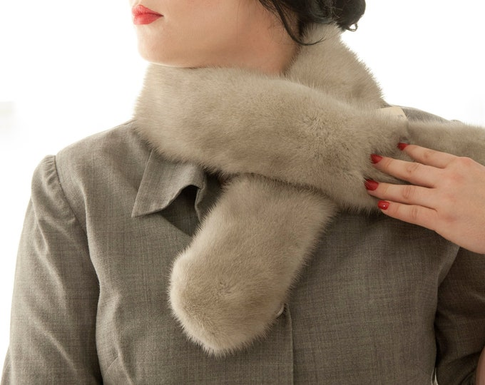 Vintage 1950s gray fur scarf, unworn NOS genuine grey wrap collar formal winter pin-up, velvet, clips