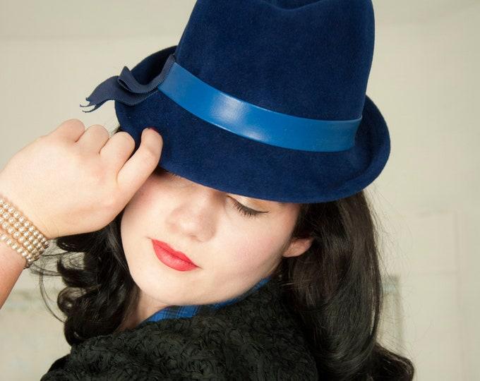 Vintage 1950s blue fedora hat, navy wool vinyl faux-leather bright band trilby vagabond brim, ladies pin-up formal