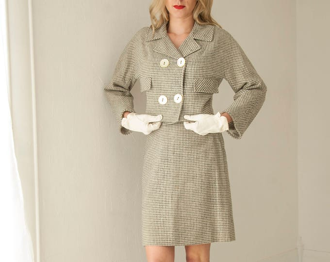 Vintage gray houndstooth suit, two-piece wool high-waist mini skirt, jacket set, white double-breasted buttons, collar 1950s 1960s XS petite