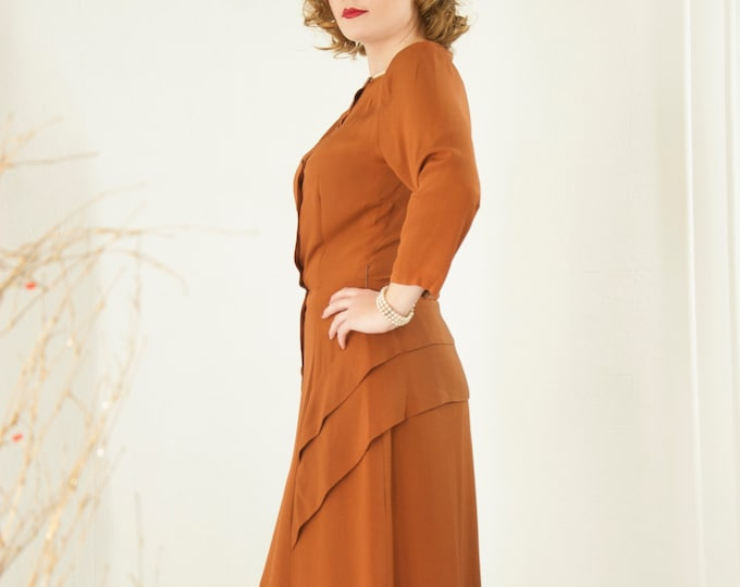 Vintage 1940s russet brown dress, 3/4 sleeve rayon midi shift buttons pleats, rust caramel cinnamon 1950s pin-up, L