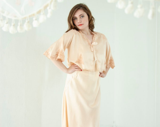 Vintage 1930s peach silk nightie dress and bed jacket set, pink sheer lace slip bias-cut peignoir pin-up lingerie floral nightgown midi L XL
