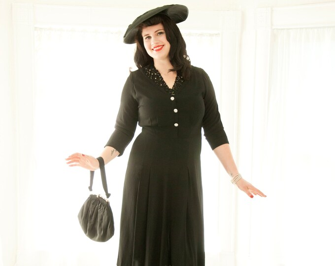 Vintage 1940s black dress, 3/4 long sleeves, floral lace neckline collar, beaded rhinestones midi shift rayon simple classic pin-up, XL