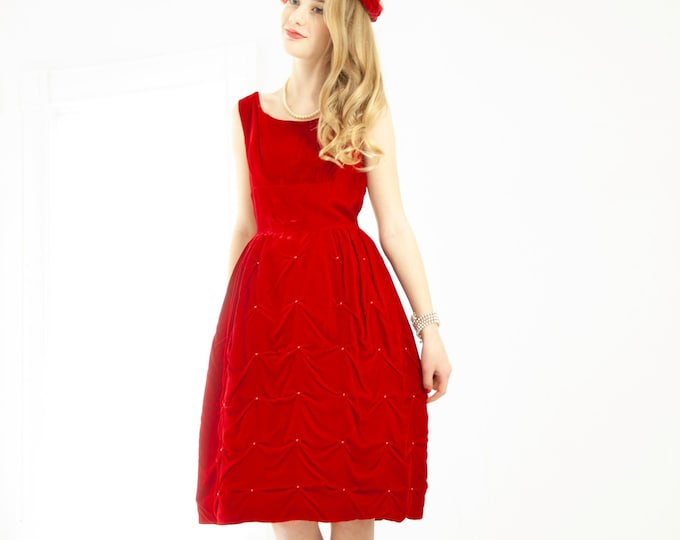 Vintage 1950s red velvet dress, sleeveless short tufted fit and flare party formal prom Valentine's Day, holiday, XXS XS petite