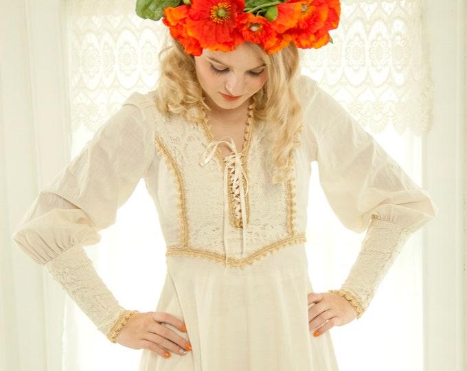 Vintage white boho dress, boho wedding maxi, long sleeve Victorian Renaissance Juliet corset, 1970s, XS S, Gunne Sax style