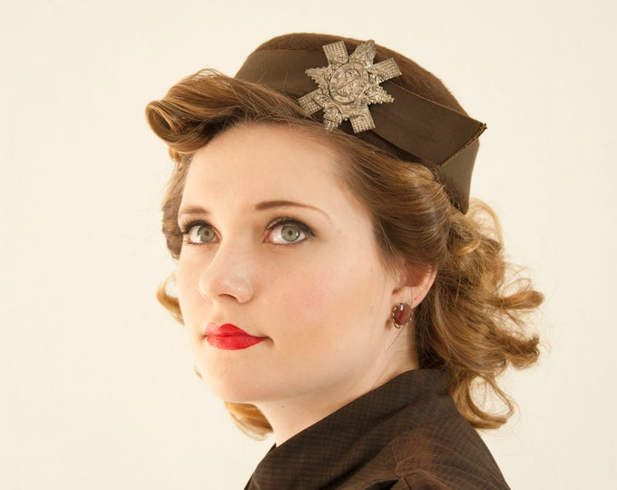 Vintage 1950s brown wool hat, silver star brooch Latin fur pin-up formal calot Scotland guardian thistle 1940s