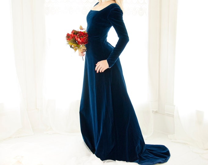 Vintage blue velveteen dress, long sleeves, maxi train, Renaissance boho Victorian princess, empire waist, 1960s 1970s XS S