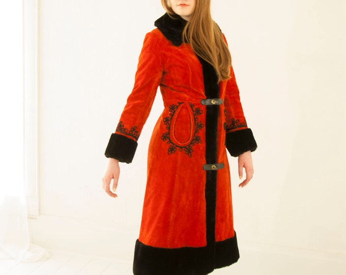 Vintage red black princess coat, faux-fur collar cuffs, long midi embroidered velour jacket 1960s mod M