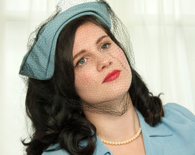 Vintage 1940s light blue hat, black netting veil, formal headband headpiece pin-up pastel cornflower