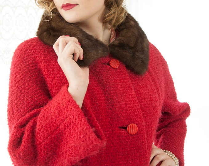 Vintage 1950s red boucle coat, wool, brown mink fur collar, Lucite buttons, pin-up jacket L XL