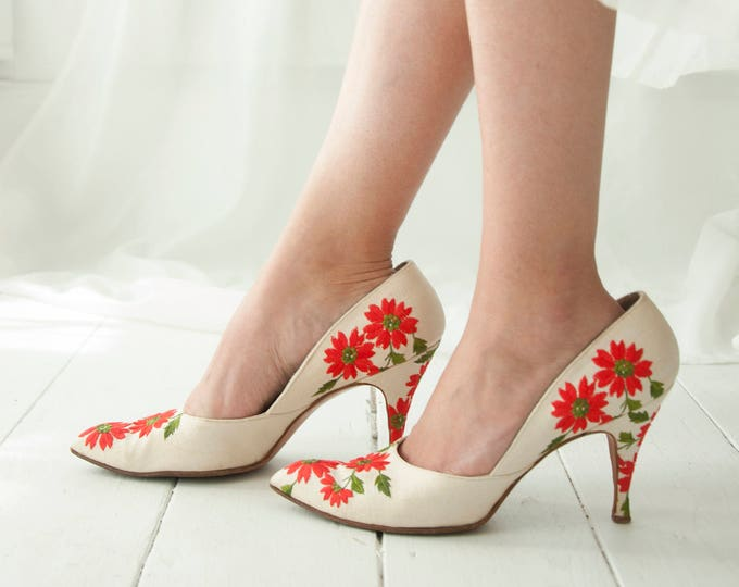 Vintage red floral 1950s shoes, white embroidered heels, closed-toe formal pin-up flowers, Saks Fifth Avenue, 8