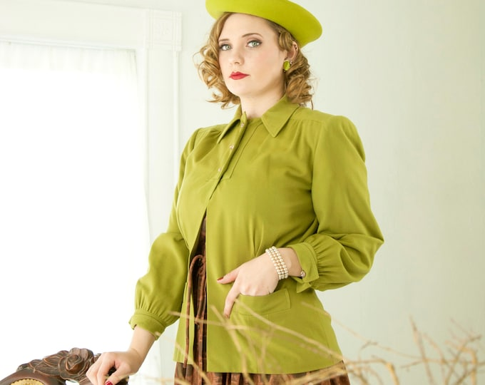 RESERVED 1 Vintage 1940s chartreuse jacket, green long sleeve, collar shoulder pads, pin-up, Lucite knot buttons M