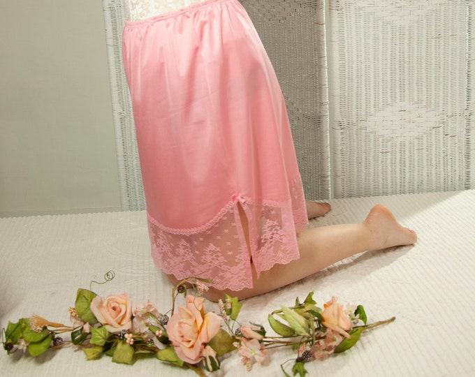 Vintage pink slip skirt, half knee-length, lace nylon lingerie, high-waist vent 1950s pin-up style, M 1980s