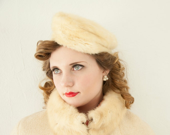 Vintage 1950s ivory fur hat, genuine ermine white pillbox formal winter pin-up