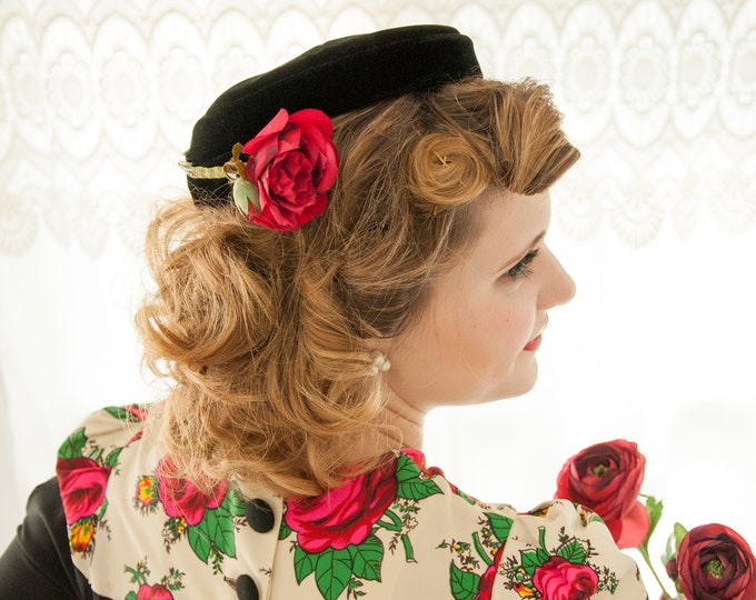 Vintage 1950s black velvet hat, red rose formal pin-up fascinator headpiece mini pillbox, Saks Fifth Avenue
