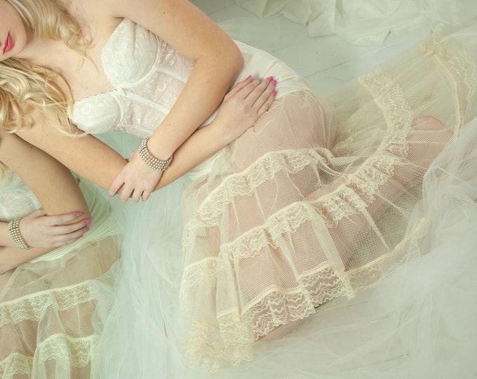 Vintage off-white crinoline, 1950s sheer tulle skirt, full midi lace long slip petticoat, prom formal bridal wedding dress gown L XL