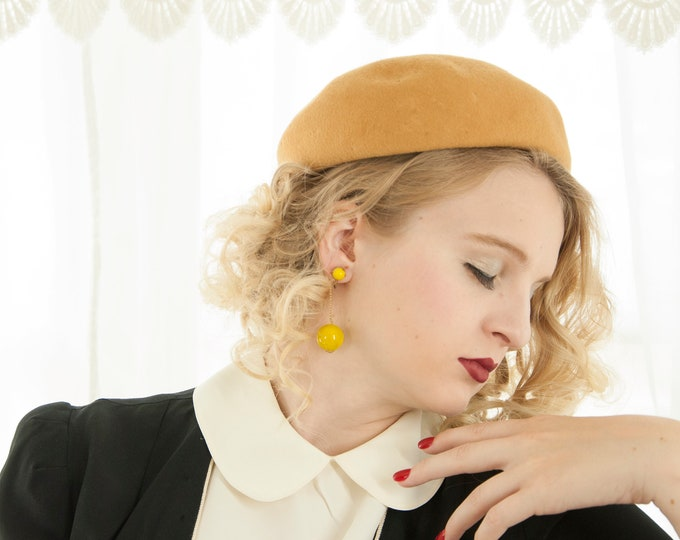 Vintage gold wool beret hat, camel yellow mustard 1930s 1940s