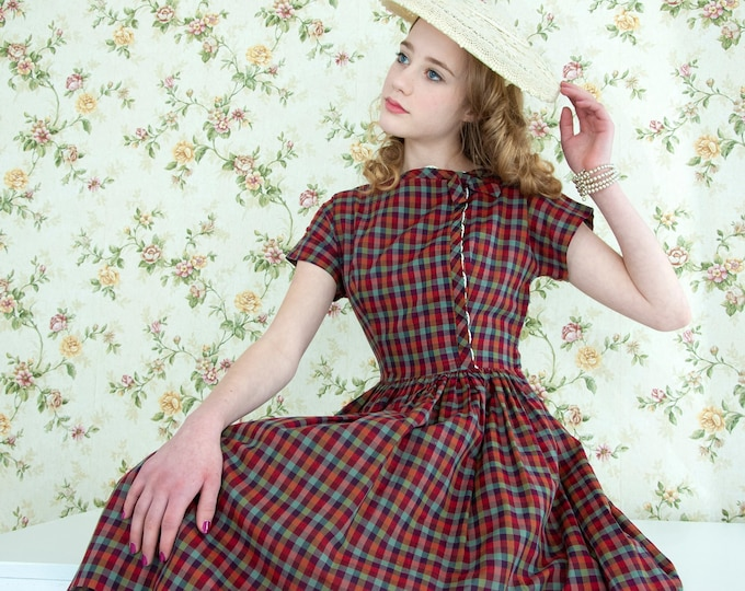 Vintage 1950s red plaid dress, short sleeve burgundy sage green maroon, white lace fit and flare knee-length, XXS XS petite girls