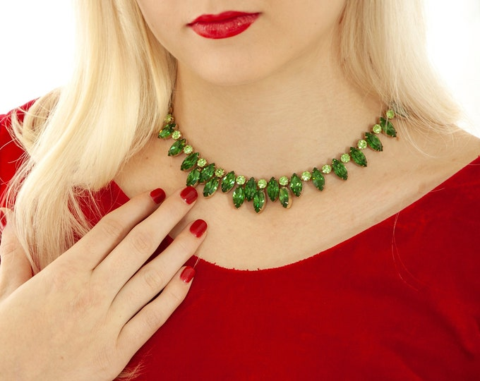 Vintage green rhinestone necklace, emerald peridot crystal princess formal pin-up costume jewelry Christmas