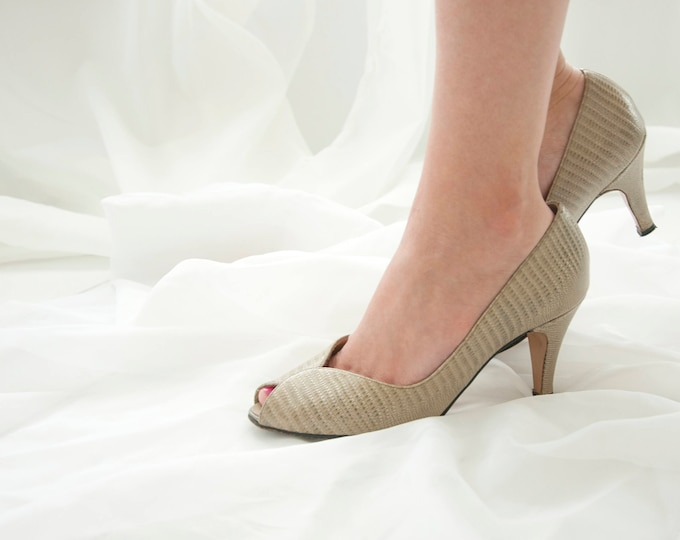 Vintage sage green shoes, 1950s reptile skin leather heels, peep-toe formal pin-up 6