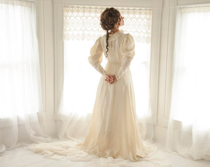 Vintage Victorian wedding dress, puffed long sleeves, 1930s 1940s romantic gown, off white ivory maxi train XS