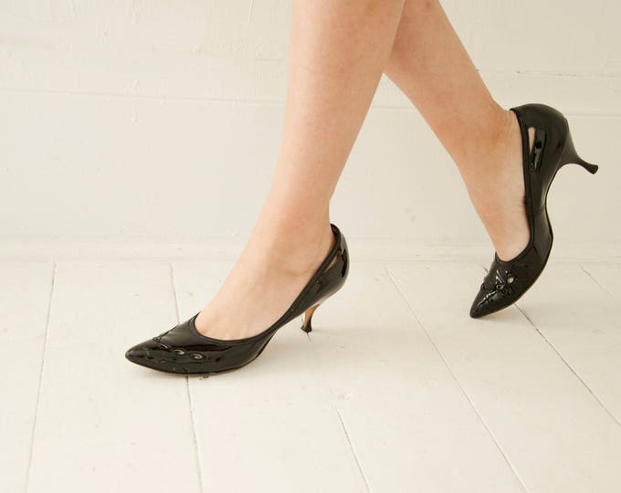 Vintage 1950s black patent leather shoes, pin-up heels, shiny dress pumps, closed toe, cut outs, 6 6.5