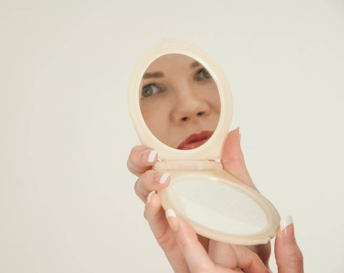 Vintage mirror compact, round hand-held magnified marbleized plastic cream travel vanity face makeup pocket, 1950s 1960s pin-up gift for her
