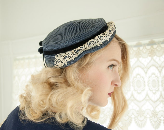 Vintage navy blue 1950s hat, white lace woven velvet band bow, rhinestones, formal pin-up 1940s