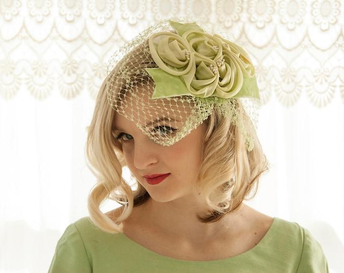 17f31e3fce11a Vintage green headpiece veil