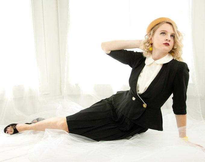 Vintage 1940s black suit, two-piece dress, high-waist pleated skirt, puff sleeve top, white double breasted buttons, peplum, pin-up, XXS XS