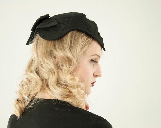 Vintage 1930s black headpiece, fascinator hat, embroidered bow widow's peak formal calot Juliet antique Effeness