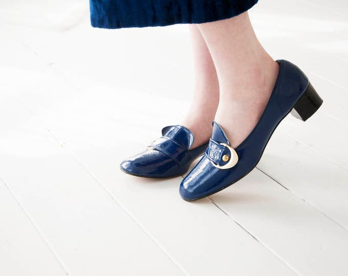 Vintage blue mod shoes, 1960s faux patent leather vinyl chunky heels, silver buckles, slip on loafers sapphire Blossom 6 7