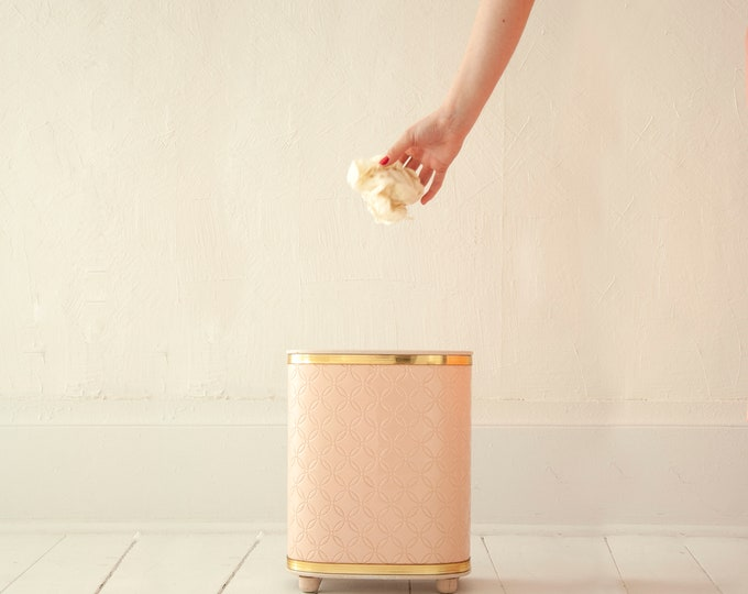 Vintage 1950s pink trash can, small vinyl gold waste paper basket garbage receptacle, wedding-ring quilted design, Mid-century pin-up decor