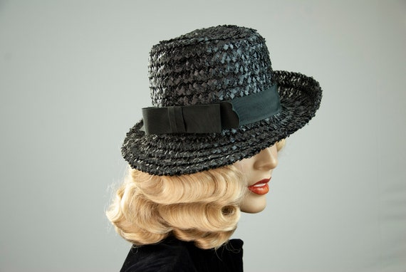 Vintage black woven hat, asymmetric raffia 1940s 1