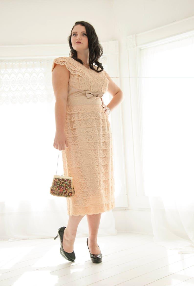 9c9937ca592 Vintage pink lace 1950s dress formal cap sleeve sheath