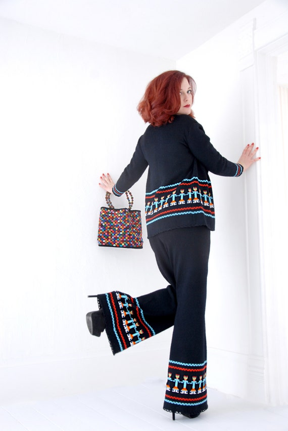 Vintage black knit pantsuit set, bellbottoms pant… - image 2