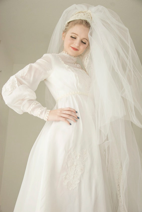 Vintage 1960s bishop sleeve wedding dress, mod boh