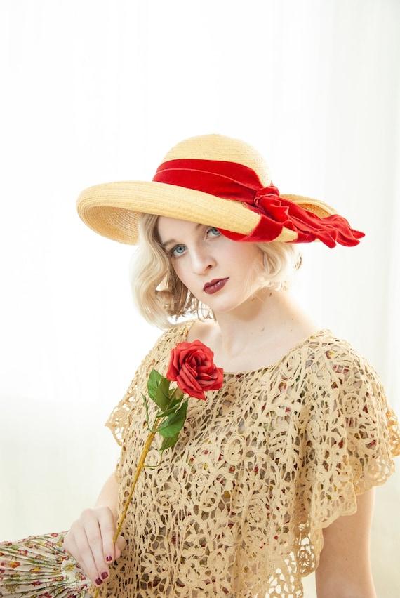 Vintage 1930s straw sun hat, red velvet ribbon, wo