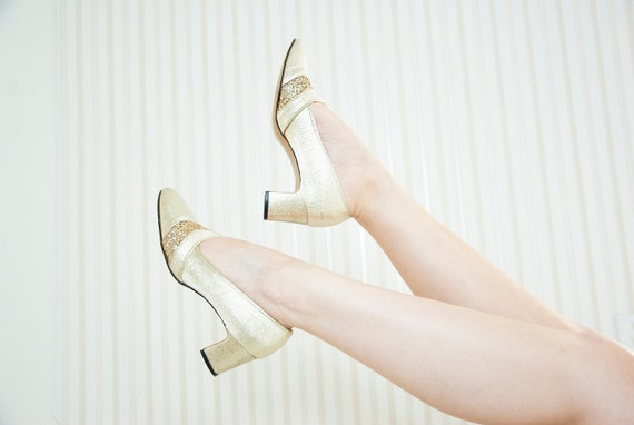 Vintage gold lamé mod shoes, 1960s glitter sparkly