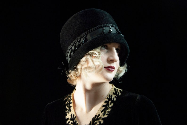Vintage black beaded cloche hat formal velour wool bow 1920s image 0