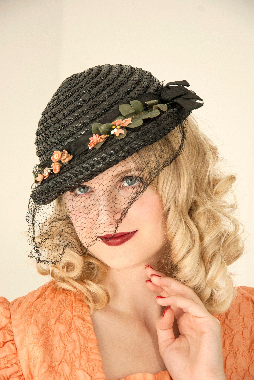 Vintage black woven hat 371bd3a4027