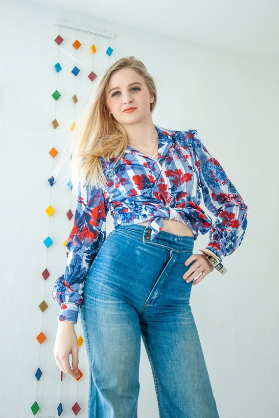 Vintage 1970s red, white and blue floral blouse, l