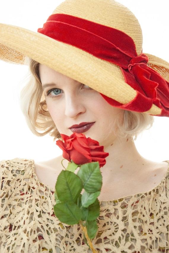 Vintage 1930s straw sun hat, red velvet ribbon, w… - image 5