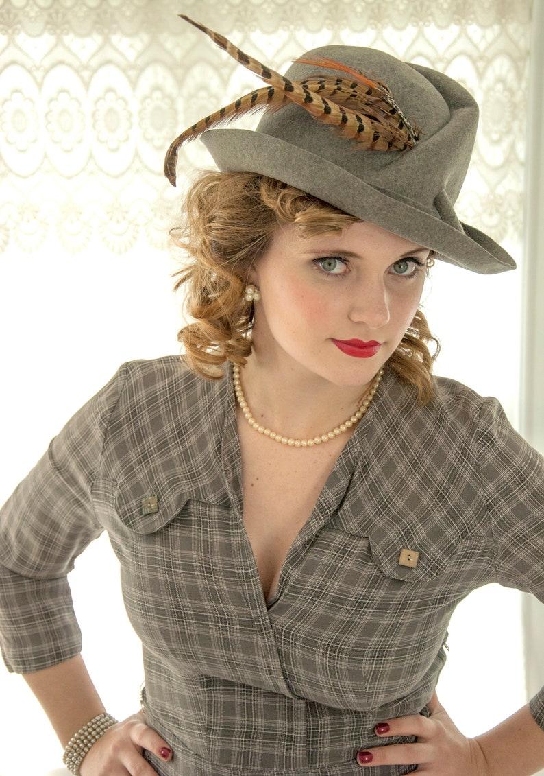 cfc48280057 Vintage 1950s gray fedora hat wool trilby vagabond brown