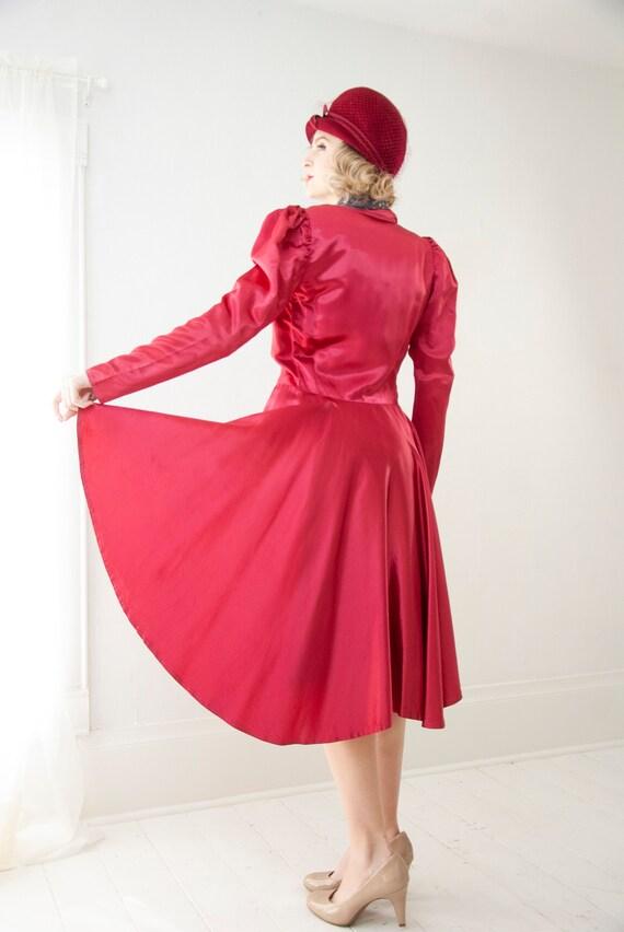 Vintage 1940s magenta satin jacket, dark pink puff