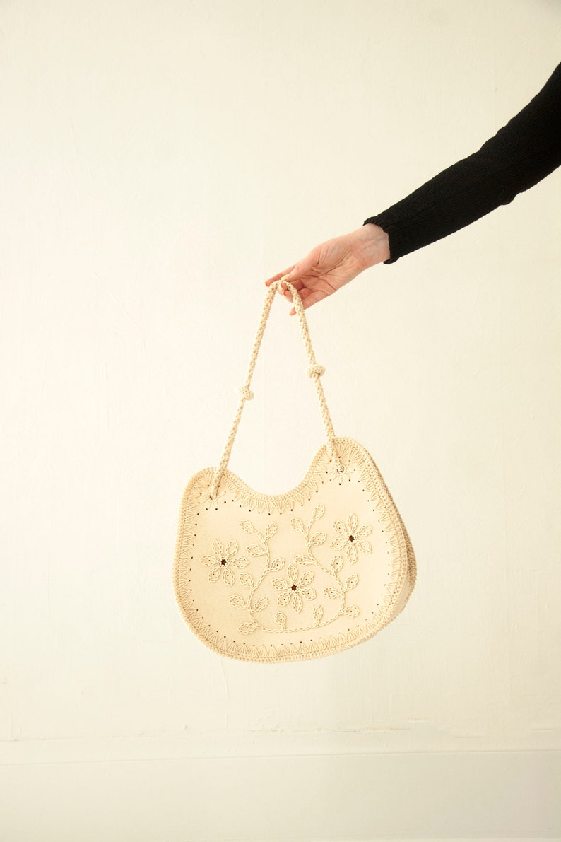 6bff15a22 Vintage white floral purse ivory embroidered shoulder bag | Etsy