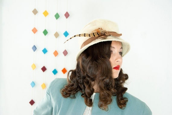 Vintage 1940s cream fedora hat, wool fur ivory whi