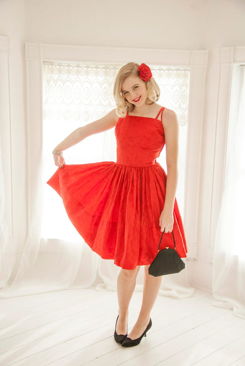 426aefe17a9 Vintage red formal dress sleeveless prom brocade roses short