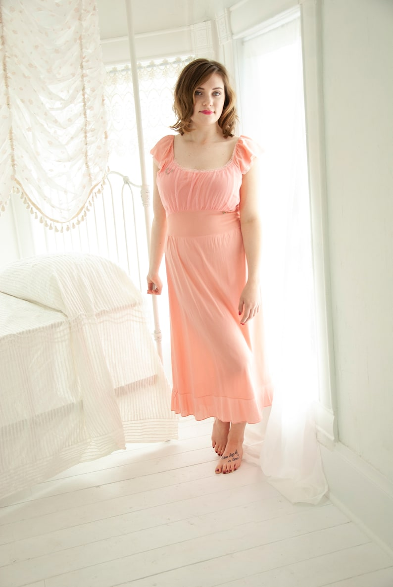 Vintage 1940s pink nightie sexy midi slip dress lace 1950s  6d7233703